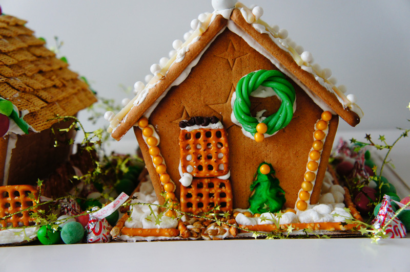 gingerbread land c/o LLinaBC.com