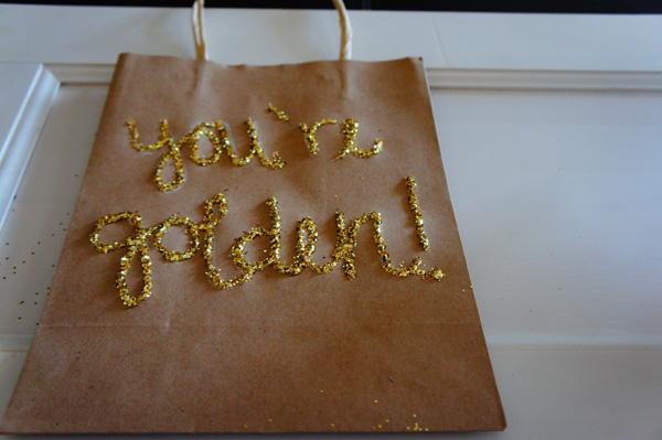 DIY gift bag // LLinaBC.com